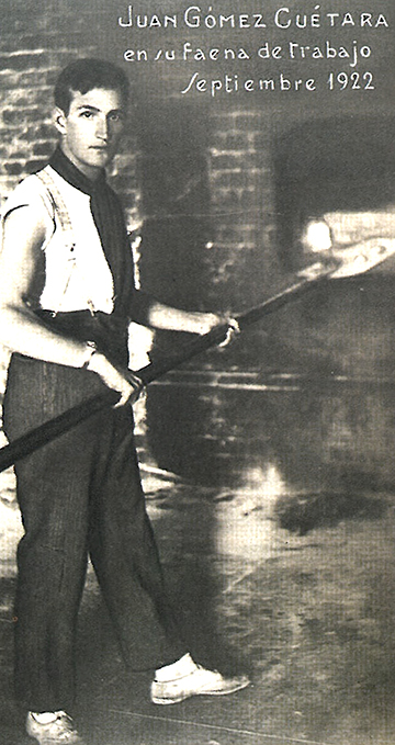 Photo of Juan Gómez Cuétara at work in September 1922